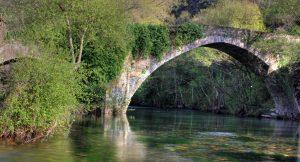 Puente de Barxa do Lor aguas abajo